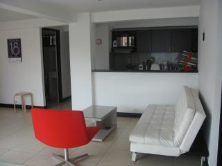 Conveniently located in Laureles, apart 3 bedr., Medellin