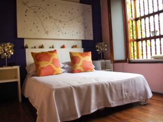 ROMANTIC COLONIAL HOUSE IN OLD CITY - VERANERA SUITE, Cartagena