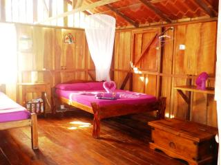Artistic Equipped House Right In The Beach, Cabuya