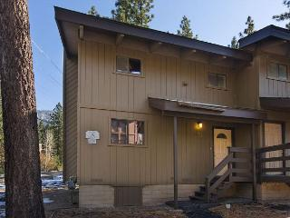 Beautifully updated condo on Ski Run Boulevard, South Lake Tahoe