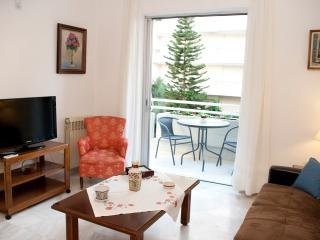 A Homely 2Bedroom Apartment 350m from the beach, Athene