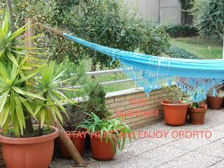 Nice apt, w/terrace & sun - Stay here enjoy Oporto