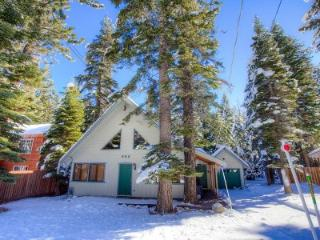 Remodeled Cabin with Perfect Access to Reknown Ski Resorts ~ RA44982, South Lake Tahoe