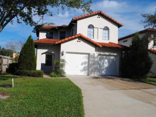 Spanish Style Villa with Pool, Close to Disney, Clermont