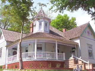 Queen Anne House Bed and Breakfast 1893, Harrison