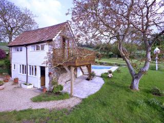 SHILLINGS COTTAGE in the Blackdown Hills, Devon, Honiton
