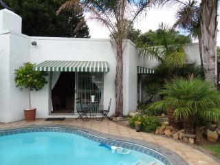 Steppingstones Garden Cottage - Fully equipped, Durbanville