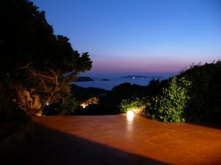 B&B Villa Arte - MATRIMONIALE, La Maddalena