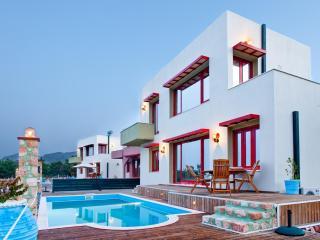Villen Natalia - Spilia Bay Villas and Spa, Pefkos