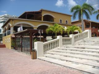 Tranquil Settings, Porto Cupecoy (1 or 2 br opt), Cupecoy Bay