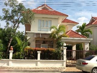 Sleek and Bright 3 bedroom  house in Ao Nang Krabi