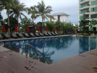 Luxury 1 Bedroom Pool Condo, Nong Na Kham