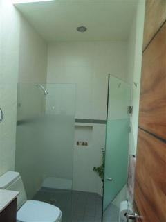 bathroom for bedrooms 1 and 2