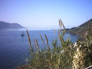 Aeolian Islands - Salina: top panorama apartment., Santa Marina Salina