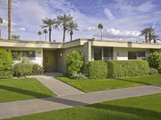 Indian Wells Vacation Home - Fantastic Location!