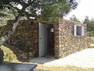 Robinson house Ljubica, island Murter