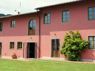 Villa Campioni: luxury hilltop villa, pool and wheelchair friendly, Colle di Buggiano