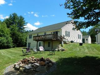 White Mountain Contemporary Vacation Home Sleeping up to 11 Guests!  (MAR38M), Campton