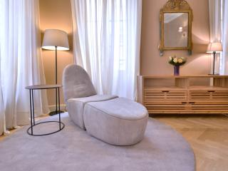 Beautiful apartment Place des Quiconces, Bordeaux