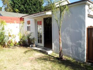 Private Silver Lake/Los Feliz Garden Guesthouse!, Los Ángeles
