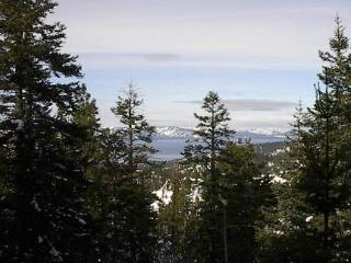 Lake Tahoe view condo-hot tub/pool/fireplace+more!