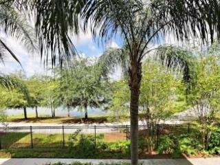 Vista Cay condo - Lakeside Oasis- sleeps 10 guests, Orlando