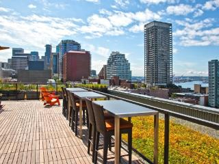 Luxury Stay in Downtown-5 mins walk to Pike Place!