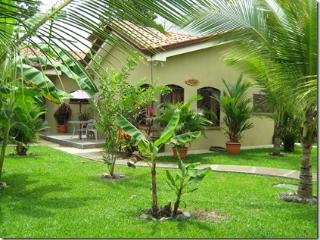 Casa Hummingbird - Resort villa close to the pool., Playa Hermosa