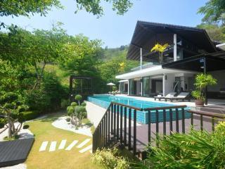 Villa Patong - Modern Super Villa. A tropical oasi