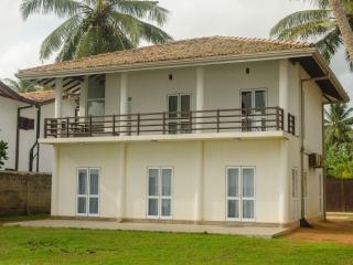 Muhudu Rella Villa, Unawatuna
