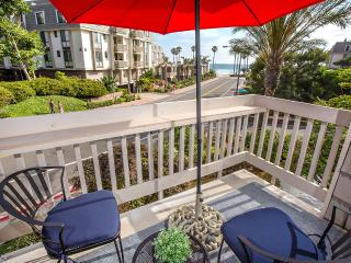 Newly Renovated - Direct Ocean View - Steps to Ocean