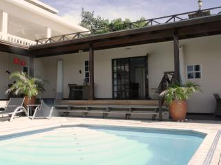 Curavilla | Comfortable double apartment & pool, 3