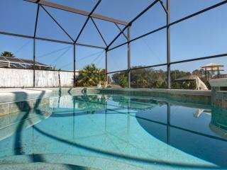ASTER VILLA with POOL/JACUZZI near DISNEY, Kissimmee
