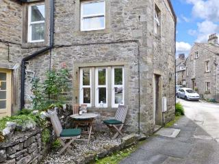 1 BROWN FOLD, stone-built terraced cottage, woodburner, close to amenities, in Grassington, Ref. 18832