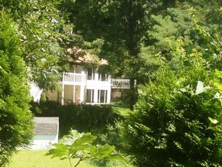 Just re-listed! Charming 5 Bedroom Holiday Rental