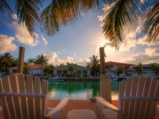 KEYS ESCAPE SPECIAL! Bikes, Pool, 2 Beaches, Key Colony Beach