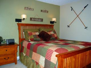 5-Star 2 BR 2 Bath Peak 8 Ski Condo for 6 in Breck, Breckenridge