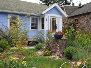 Sweet 1920's cottage in North Seattle