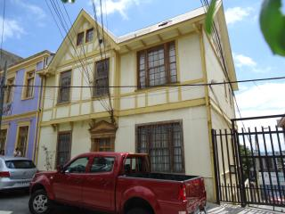 LOFT APARTMENT IN CERRO ALEGRE, VALPARAISO, CHILE!
