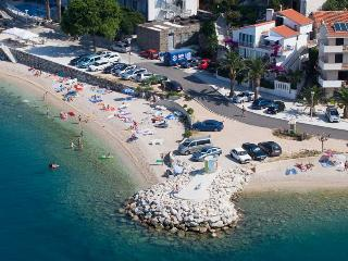Apartment Lilly(b)for 6 people- Podgora,Croatia