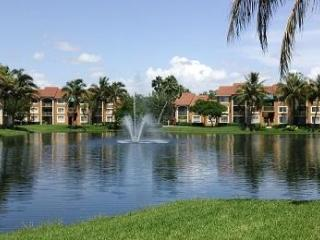The ENCLAVE of Naples  2 Bed 2 Bath Resort  Condo