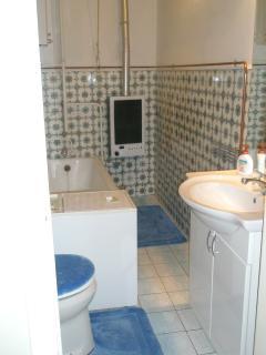 bathroom 3rd