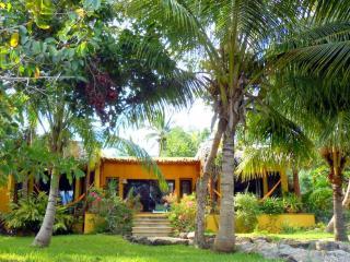 Escapada romántica de lujosa - Laguna Bacalar MEXICO