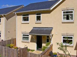 3 TREM Y DOLYDD, semi-detached townhouse, parking, enclosed garden, in Llanrwst, Ref. 11642