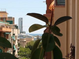 STYLE- City center Apartment, free internet and wifi, parking, Barcelona