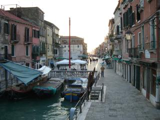Veneziacentopercento Rooms and Apartments