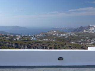 Luxury Greek Villa on Santorini in the Village of Pyrgos - Villa Pyrgos