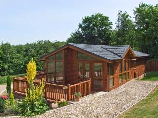 ELM LODGE single-storey, en-suite, top quality lodge in Newent Ref 27869