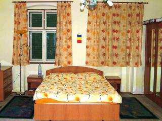 B&B accommodation in traditional Saxon house near Sighisoara