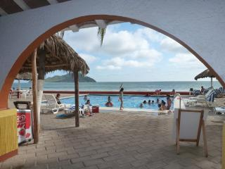 ON THE BEACH!  Beautiful Condo in the Zona Dorada, Mazatlan